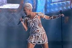 Ксана Сергеенко Голос 3 четвертьфинал видео - Woman's Day