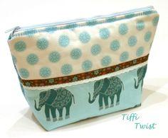 ~Kulturbeutel~ Elefanten von TiffiTwist auf DaWanda.com