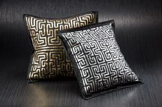 Cojines Mola, de tela; diseño, Equipo de Diseño Artesanías de Colombia; artesano, Rosmery Uribe.