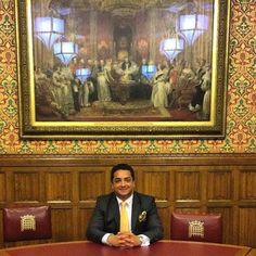Dr Ayham Al-Ayoubi lecutring at The House of Lords.