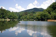 6 Lacuri din Romania in care sa te racoresti in zilele caniculare: Lacul Ursu, judetul Mures.
