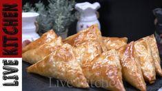 Τρίγωνα Πρασοτυροπιτάκια της Τεμπέλας!! - Easy Leek & feta Cheese pie Cheese Pies, Feta, Kitchen Living, Dairy, Bread, Chicken, Kitchens, Cheesecakes, Brot