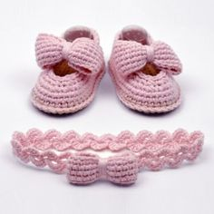 Baby Bow Shoes crochet pattern by Matilda's Meadow