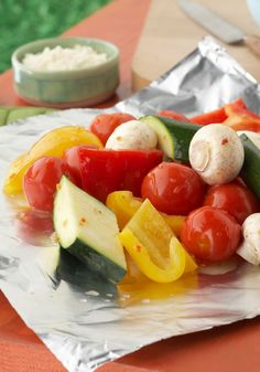 Sensational Foil-Pack Vegetables -- Scootch over burgers and make room for this flavorful, healthy living side dish recipe. Ripe veggies steam in their own juices and zesty dressing in a no-mess foil pack. Kraft Recipes, Grilling Recipes, Cooking Recipes, Healthy Recipes, What's Cooking, Healthy Eats, Easy Recipes, Side Dish Recipes, Vegetable Recipes