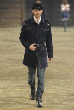 Karl Lagerfeld Tackles Dallas for Chanel Pre-Fall 2014 Collection Chanel Men, Stylish Mens Fashion, Men Fashion, Best Shopping Sites, Dapper Men, Mens Clothing Styles, Men's Clothing, Simple Outfits, Karl Lagerfeld