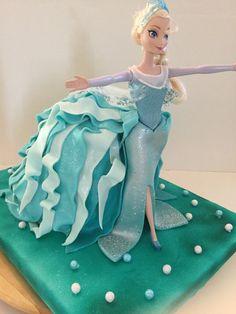 Gâteau Reine des neiges pour une mini princesse