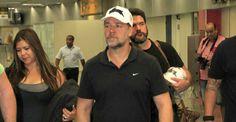 Russell Crowe chega ao Brasil para o lançamento de 'Noé'