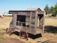 Paddy Wagon Shaniko Oregon, Tourist Ghost Town history ghost towns of oregon ghost town buildings Abandoned Buildings, Abandoned Places, Abandoned Mansions, Old West Town, Old Wagons, Haunted Places, Haunted Towns, Ghost Towns, Wild West