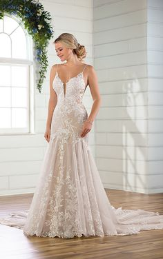 9894e4bdbe This beauty is part of Essense of Australia s new collection. Modern lace  details