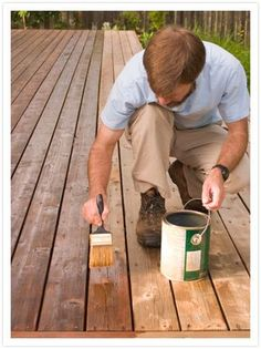 No matter how careful you are when you stain the deck, splatters happen. A bit of deck stain makes its mark on the vinyl siding, much to your dismay. The siding may be stain-resistant, but it's not stain-proof. Deck Stain Colors, Deck Colors, Deck Finishes, Deck Maintenance, Deck Furniture, Painted Furniture, Furniture Ideas, Stain Furniture, Cool Deck