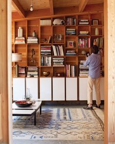Real Page-Turners: Our Favorite Bookshelf Organizing Ideas - Martha Stewart Home Tours