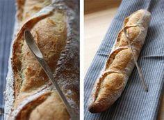 Intolérant au gluten ou tout simplement envie de changer de la baguette traditionnelle? Cette recette est pour vous! Pour 2 baguettes ∗ Préparation 15 minutes∗ Repos 1h30∗ Cuisson 30 à 35 minute...