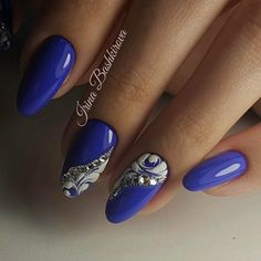 Nail art Christmas - the festive spirit on the nails. Over 70 creative ideas and tutorials - My Nails Beautiful Nail Designs, Beautiful Nail Art, Acrylic Nail Designs, Nail Art Designs, Cute Nails, Pretty Nails, Nail Art Modele, Royal Blue Nails Designs, Hair And Nails