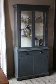 Painted Display Cabinet Dresser | discoverattic
