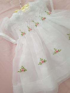 Gorgeous hand smocked white Christening Dress and Bonnet with Frocks For Girls, Gowns For Girls, Baby Girl Dresses, Frock Design, Baby Dress Design, White Christening Dress, Smocked Baby Clothes, Blessing Dress, Smocks