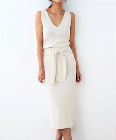 Spring Fashion and Spring Outfit Ideas. How to wear culottes. white cropped pants with nude heels or sandals. Mode Outfits, Fashion Outfits, Fashion Tips, Fashion Trends, Fashion Ideas, Fashion Websites, Fashion Boots, Mode Chic, Mode Style
