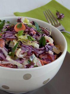 Joghurtos káposztasaláta My Recipes, Salad Recipes, Cooking Recipes, Cold Dishes, Vegetarian Recipes, Healthy Recipes, Eat Pray Love, Potato Salad, Cabbage
