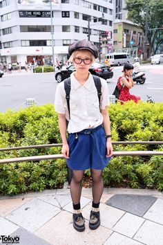 Tokyo girl with cute short blonde hairstyle, newsboy hat, bucket backpack and leopard print creepers on the street in Harajuku. Japanese Street Fashion, Tokyo Fashion, Women's Fashion, Boyish Outfits, Cute Outfits, Boyish Style, My Style, Neko, Bucket Backpack