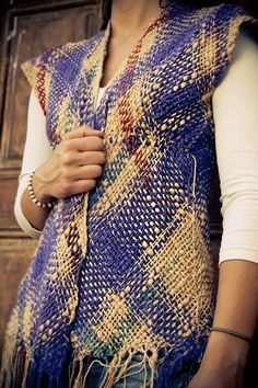 Blue and beige cotton woven vest от Ullvuna на Etsy Loom Weaving, Hand Weaving, Sleeveless Cardigan, Recycled Sweaters, Weaving Patterns, Grunge Fashion, Color Combinations, Crochet, Fashion Outfits
