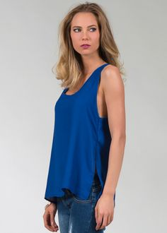 "Blusa lisa sin mangas con escote ""U"" frente y espalda. 100% Poliéster. La modelo viste talla chica. Código del producto: 1601323 Outfits, Tops, Women, Fashion, Templates, Sleeveless Tops, Plunging Neckline, Moda, Suits"