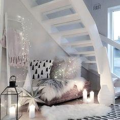 Open wood stairs || mykindoflike on insta