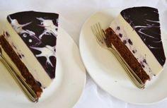 Jogurtová torta s čiernymi ríbezľami  a maľovaným želé