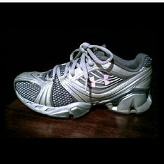 Women's Under Armour sneakers Immaculate condition inside and out! Silver gray color with light pink accents. Only worn a few times to the gym , very comfortable insole.. An excellent performance sneaker overall Under Armour Shoes Sneakers
