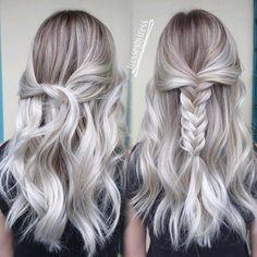 """616 tykkäystä, 19 kommenttia - Tressa Yanchuk (@tressesbytress) Instagramissa: """"Merry Christmas Eve!!! ❤❄️❄❄️❄ Here's a little #blonde icequeen #platinum #whiteblonde…"""""""