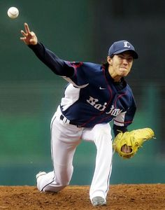 Takayuki Kishi tosses 8 solid innings of 2-run ball with striking out 5 Marines while scattering 5 hits and no walks to pick up his 4th win of the season at Seibu Dome on July 7, 2013 in Tokorozawa, Saitama.