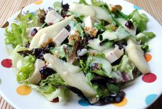 I love salads, but I must admit when I make them, they're just a hodge-podge of whatever's in my fridge. They're good, but I can't ever come up with that magical combination of ingredients to make a really really good one. Enter Turkey Pear Salad. When I saw turkey, pears, and walnuts covered in a …