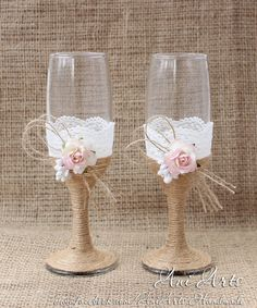 Rustic Country Wedding Glasses Cottage Chic Toasting glasses Rustic Mr and Mrs Toasting Flutes Bride and Groom Chamgpagne Glasses - pinned by pin4etsy.com