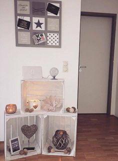 alte weinkisten mit nat rlichen materialien dekoriert versch nern zur zeit unseren. Black Bedroom Furniture Sets. Home Design Ideas