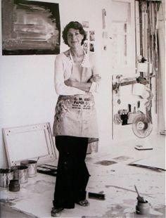 Helen Frankenthaler ~ Stamford, Connecticut. 1984  Photo: Hans Namuth via MONDOBLOGO