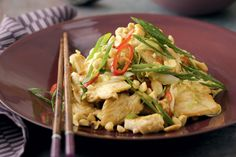 Fiery+chilli+and+fragrant+lemon+grass+combine+in+this+classic+Vietnamese+chicken+stir-fry.+Steamed+jasmine+rice+is+the+ideal+accompaniment+to+the+sweet+and+salty+flavours.