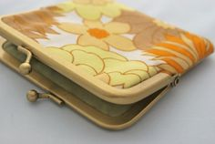 Retro coin purse in upcycled psychedelic yellow by SundayBestStore