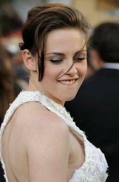 You Like It My... Kristen Stewart Weight, Kristen Stewart Pictures, Kristen Stewart Movies, Beautiful Celebrities, Beautiful Women, Hollywood Actress Photos, Chica Cool, Kirsten Stewart, Kristen Bell