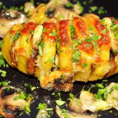 Reteta Cartofi Copti cu Branza si Ciuperci la Cuptor Jamie Oliver, Finger Foods, Nutella, Baked Potato, Sushi, Baking, Ethnic Recipes, Fingers, Mariana