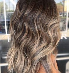 Balayage Hair Color Ideas for Brunettes in – Beauty Tips – Hair – Hair is craft Balayage Hair Brunette With Blonde, Honey Blonde Hair, Brown Hair Balayage, Brunette Color, Hair Color Balayage, Brunette Hair Color With Highlights, Fall Balayage, Brown Balyage, Summer Brunette