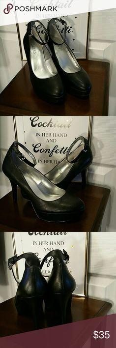 NWOT Guess Platform Heels NWOT  Ankle strap Manmade upper Heel 4.5in  Platform  1.5 in Guess Shoes Heels