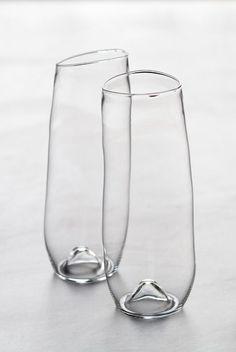 The original Malfatti Glass Prosecco glasses. Wabi Sabi, Prosecco Glasses, Champagne Glasses, Stemless Champagne Flutes, Kitchenware, Home Accessories, Glass Art, Pottery, Home Decor