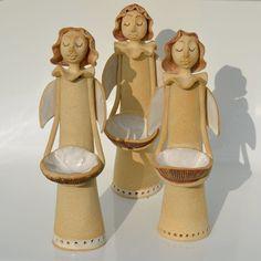 Andílek by keramikas Pottery Sculpture, Sculpture Art, Pottery Angels, Ceramic Angels, Animal Sculptures, Ceramic Clay, Clay Projects, Xmas Decorations, Clay Art