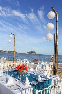 Decoración con bambus triples y dobles ideal para tu boda en playa por Bodas Huatulco