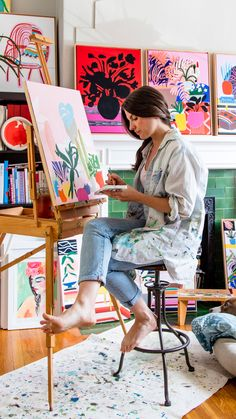 The Wonderfully Colorful Art Studio of Your Dreams - Def need a RUG, but what about canvas from Home Depot paint tarp Art Studio Decor, Art Studio Design, Art Studio At Home, Painting Studio, Dream House Drawing, Home Art Studios, Atelier Creation, Art Studio Organization, Dream Art