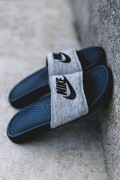 Jordan Shoes Girls, Girls Shoes, Nike Slippers, Sneaker Store, Nike Sandals, M Anime, Nike Benassi, Skate Wear, Hype Shoes