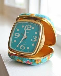 I ❤ COLOR AZUL TURQUESA + AQUA ♡ The travel alarm clock that snapped inside this case.my grandma had 1 that I liked playing with~AM~ Nostalgia, Pretty Things, Travel Alarm Clock, Alarm Clocks, Flip Alarm Clock, Oldies But Goodies, Vintage Love, Vintage Travel, Vintage Stuff