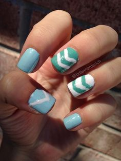 Triangle Nails using Essie Mint Candy Apple (: