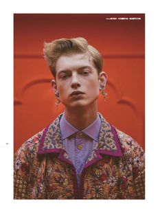 Men's Uno Hong Kong embraces a dandy flair, thanks to the latest collection from Gucci. Alessandro Michele's designs are front and center with a story lensed by photographer 松尾先森. Model Denis Razov is the protagonist Men's Fashion, Fashion Menswear, Smart Menswear, Casual Menswear, Fashion Books, Fashion Styles, Men Photography, Fashion Photography, Vogue Paris