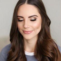Maquillaje básico para ir a la oficina, te verás muy bien, te dejamos algunas ideas de maquillaje sencillo con el que te verás realmente perfecta sin exagerar.