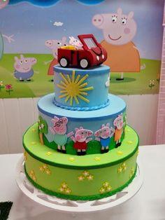 Peppa Pig - Bolo cenográfico em EVA | Eterna Magia Decorando Festas | Elo7 Peppa Pig, Fondant, Sugar Cake, Birthday Cake, Bolo Fake, Desserts, Food, Kids Part, Craft