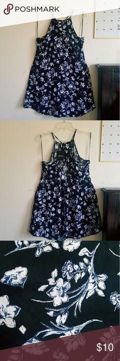 Floral Forever 21Dress -New (w/ tag) -Size(L) - Back cut out Forever 21 Dresses